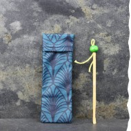 Housse de protection et transport pour oriculis et cure-oreilles Vadelma Créations - Modèle Wax bleu