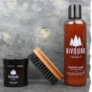 Coffret cadeau bio homme barbu Bivouak : shampoing à barbe, baume à barbe, brosse à barbe made in France en poils de sangliers